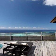 Отель Tiahura Dream Lodge Французская Полинезия, Муреа - отзывы, цены и фото номеров - забронировать отель Tiahura Dream Lodge онлайн балкон