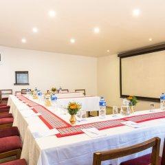 Отель Summit Hotel Непал, Лалитпур - отзывы, цены и фото номеров - забронировать отель Summit Hotel онлайн помещение для мероприятий