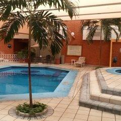 Отель Country Plaza бассейн фото 3