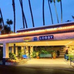 Отель Travelodge Hotel at LAX США, Лос-Анджелес - отзывы, цены и фото номеров - забронировать отель Travelodge Hotel at LAX онлайн вид на фасад