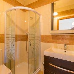 Отель Villas2Go2 Alvor Villa Португалия, Портимао - отзывы, цены и фото номеров - забронировать отель Villas2Go2 Alvor Villa онлайн ванная фото 2