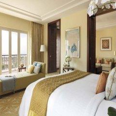 Отель The Ritz-Carlton, Dubai Представительский люкс с различными типами кроватей фото 8