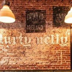 Отель Durty Nelly's - Hostel Нидерланды, Амстердам - отзывы, цены и фото номеров - забронировать отель Durty Nelly's - Hostel онлайн интерьер отеля