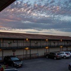 Отель Capt. Thomson's Resort парковка