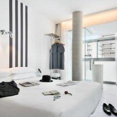 Отель Acta Mimic Барселона комната для гостей