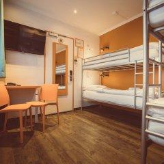 Отель Tourist Inn Budget Hotel - Hostel Нидерланды, Амстердам - 1 отзыв об отеле, цены и фото номеров - забронировать отель Tourist Inn Budget Hotel - Hostel онлайн комната для гостей фото 8