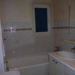 Отель Property With one Bedroom in Saint-hippolyte-le-graveyron, With Wonder ванная