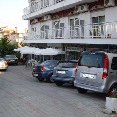 Triada Hotel парковка