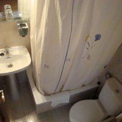 Отель Hostal Zamora Испания, Мадрид - отзывы, цены и фото номеров - забронировать отель Hostal Zamora онлайн ванная фото 2
