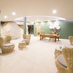 Отель Crest Resort & Pool Villas фото 2