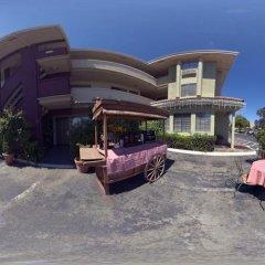 Executive Inn Hotel пляж