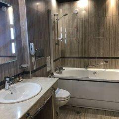 Отель Borovets Hills Resort & SPA Болгария, Боровец - отзывы, цены и фото номеров - забронировать отель Borovets Hills Resort & SPA онлайн ванная