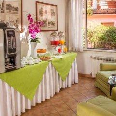 Отель Albergo Del Sole Al Biscione интерьер отеля фото 3