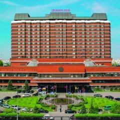 """Гостиница """"Президент-отель"""" вид на фасад"""