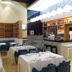 Hotel Málaga Nostrum гостиничный бар