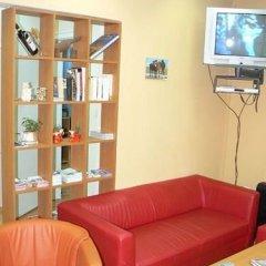 Отель Sofia Guesthouse Болгария, София - отзывы, цены и фото номеров - забронировать отель Sofia Guesthouse онлайн комната для гостей фото 5