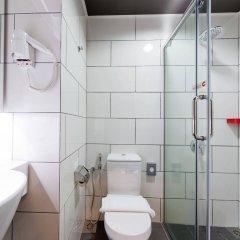 Отель MoMo's Kuala Lumpur Малайзия, Куала-Лумпур - отзывы, цены и фото номеров - забронировать отель MoMo's Kuala Lumpur онлайн ванная фото 2