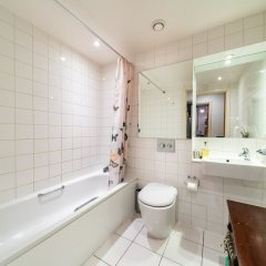Отель NEW 2 Bedroom Flat in the Heart of Holloway ванная