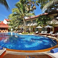 Отель Horizon Patong Beach Resort And Spa Пхукет бассейн