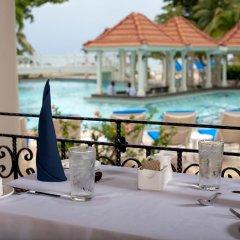 Отель Jewel Dunn's River Adult Beach Resort & Spa, All-Inclusive Ямайка, Очо-Риос - отзывы, цены и фото номеров - забронировать отель Jewel Dunn's River Adult Beach Resort & Spa, All-Inclusive онлайн питание