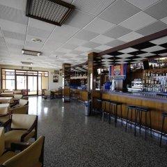 Отель Marian Platja Курорт Росес гостиничный бар