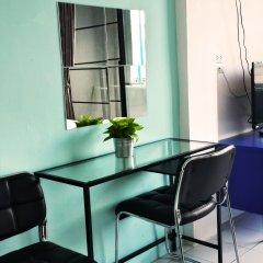 De Talak Hostel Бангкок удобства в номере