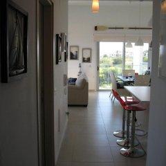 Отель Trident Beach Front Suite Кипр, Протарас - отзывы, цены и фото номеров - забронировать отель Trident Beach Front Suite онлайн интерьер отеля