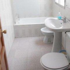 Отель Hostal Numancia Мадрид ванная фото 2