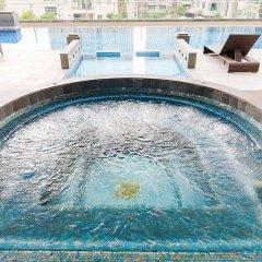 Апартаменты GM Serviced Apartment Бангкок бассейн