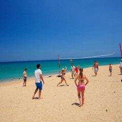 Отель Splash Beach Resort фитнесс-зал фото 4