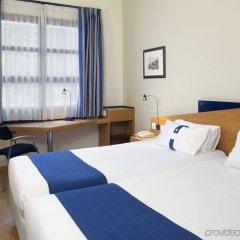 Отель Holiday Inn Express Valencia Ciudad de las Ciencias комната для гостей