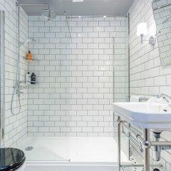 Апартаменты Hoxton 2 Bed Apartment by BaseToGo ванная