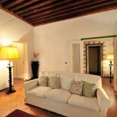 Отель Sleep In Italy - San Marco Apartments Италия, Венеция - отзывы, цены и фото номеров - забронировать отель Sleep In Italy - San Marco Apartments онлайн комната для гостей фото 2