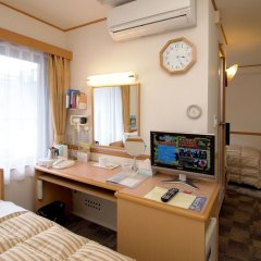 Отель Toyoko Inn Tokyo-eki Yaesu Kita-guchi удобства в номере фото 2
