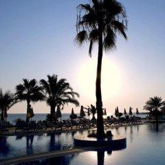 Отель Sunrise Beach Hotel Кипр, Протарас - 5 отзывов об отеле, цены и фото номеров - забронировать отель Sunrise Beach Hotel онлайн бассейн фото 3