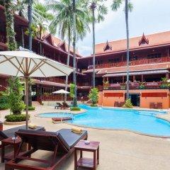 Отель Royal Phawadee Village Патонг бассейн фото 2