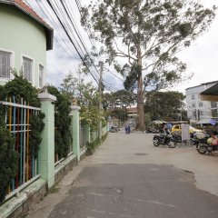 Отель Binh Yen Hotel Вьетнам, Далат - 1 отзыв об отеле, цены и фото номеров - забронировать отель Binh Yen Hotel онлайн парковка