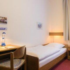 Отель CVJM Hotel am Wollmarkt Германия, Брауншвейг - отзывы, цены и фото номеров - забронировать отель CVJM Hotel am Wollmarkt онлайн комната для гостей фото 3