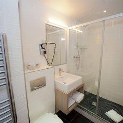 Отель Hôtel Saint-Charles Франция, Париж - отзывы, цены и фото номеров - забронировать отель Hôtel Saint-Charles онлайн ванная