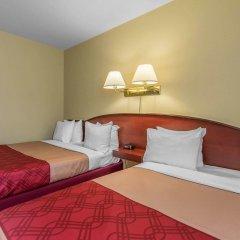 Отель Econo Lodge Montmorency Falls Канада, Буашатель - отзывы, цены и фото номеров - забронировать отель Econo Lodge Montmorency Falls онлайн комната для гостей фото 3
