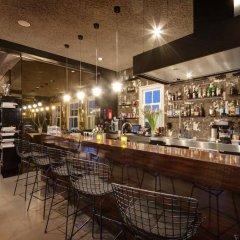Отель V Lofts гостиничный бар