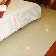Отель Riski Residence Charoen Krung удобства в номере фото 2