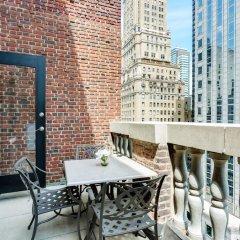 Отель Renaissance New York Hotel 57 США, Нью-Йорк - отзывы, цены и фото номеров - забронировать отель Renaissance New York Hotel 57 онлайн балкон