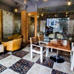 Отель The White Klove Индия, Нью-Дели - 2 отзыва об отеле, цены и фото номеров - забронировать отель The White Klove онлайн интерьер отеля фото 3