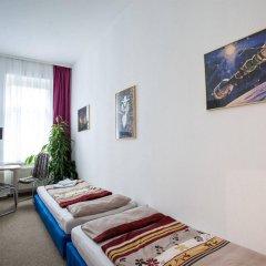 Отель Space School & Online Hotel Германия, Лейпциг - отзывы, цены и фото номеров - забронировать отель Space School & Online Hotel онлайн комната для гостей фото 3