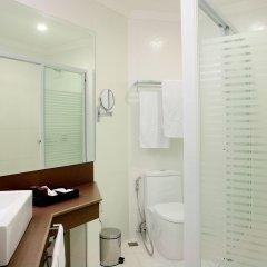 Отель Queens Hotel Филиппины, Пампанга - отзывы, цены и фото номеров - забронировать отель Queens Hotel онлайн ванная