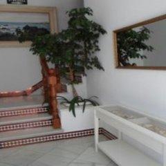 Отель Hostel Conil Испания, Кониль-де-ла-Фронтера - отзывы, цены и фото номеров - забронировать отель Hostel Conil онлайн интерьер отеля фото 3
