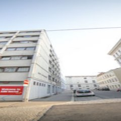 Alibi Hostel Вена парковка