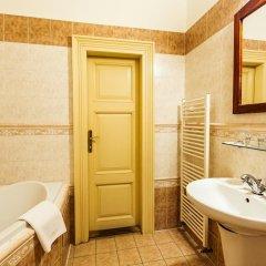 Hotel U Zlateho Jelena (Golden Deer) ванная фото 2