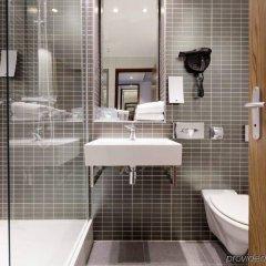 Отель Holiday Inn Clermont-Ferrand Centre Франция, Клермон-Ферран - отзывы, цены и фото номеров - забронировать отель Holiday Inn Clermont-Ferrand Centre онлайн ванная фото 2